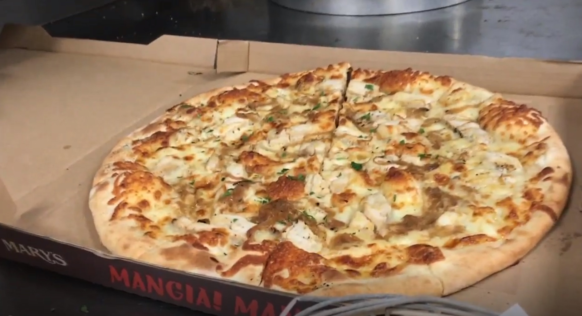 Prank Call Costs Pizza Place Over $700 In Pizzas | Free Beer and Hot