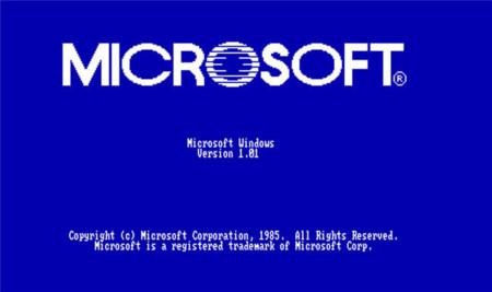 Cuál fue el primer Windows que salió al mercado