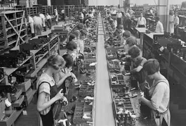 Atwater Kent radio assembly line, Philadelphia, 1925.