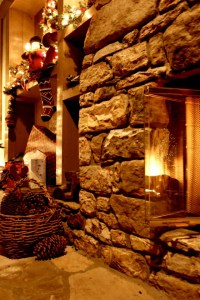 Christmas Fireplace Decorated iPhone 4/4S/iPod - Wallpaper ...
