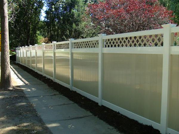 Vinyl Fence An All Weather Choice For Any Season