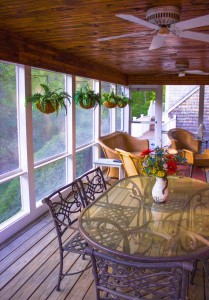 A screened porch is not only beautiful, but also provides your home with numerous other benefits.
