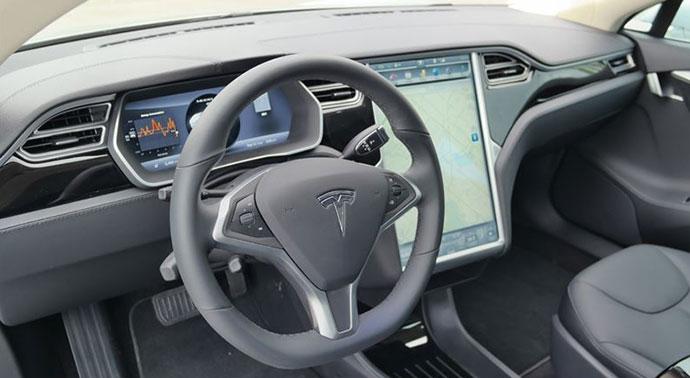 15-04-model-s-interior