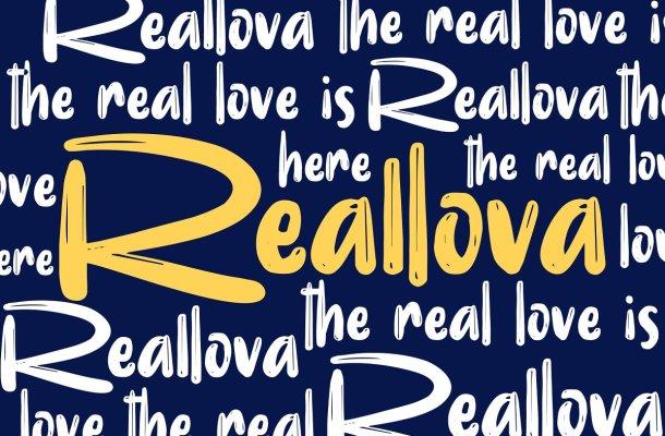 Reallova Brush Font