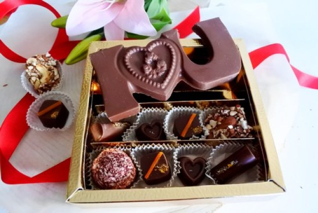 best Diwali gift ideas assorted chocolate box