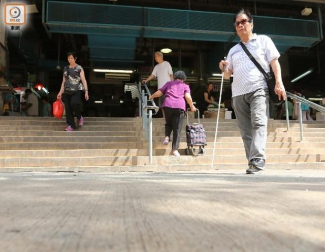 政府部門各自為政 沙灘5吋壆 氣走輪椅客 | 無障礙文章|香港一站式 ♿ 無障礙資訊平臺|無障礙旅遊指南|Free Guider
