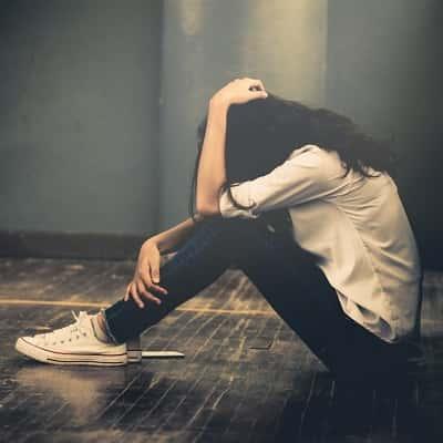 Alone-Sad-Girl-DP-For-Facebook-Whatsapp (13)