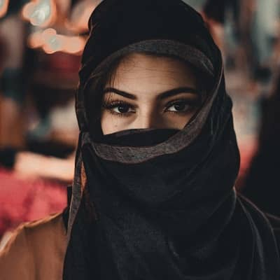 Stylish-Muslim-Girl-Dp-For-Fb-Profile (33)
