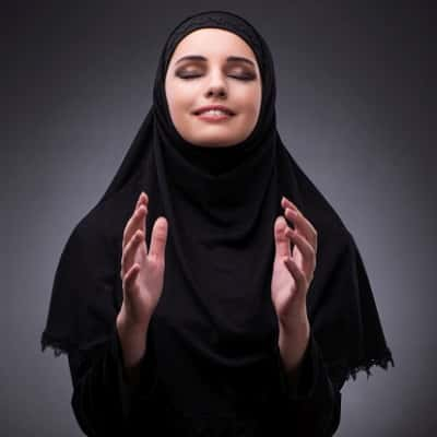 Stylish-Muslim-Girl-Dp-For-Fb-Profile (9)