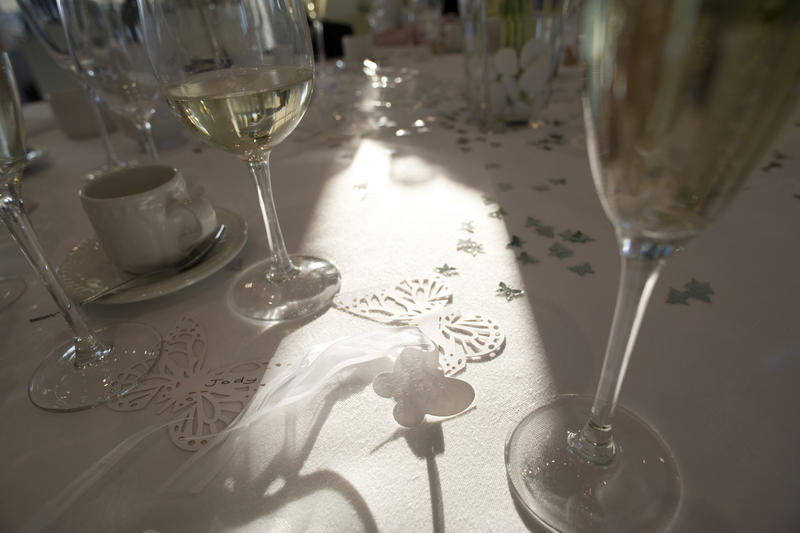 Free Stock Photo 2136formal dining table  freeimageslive
