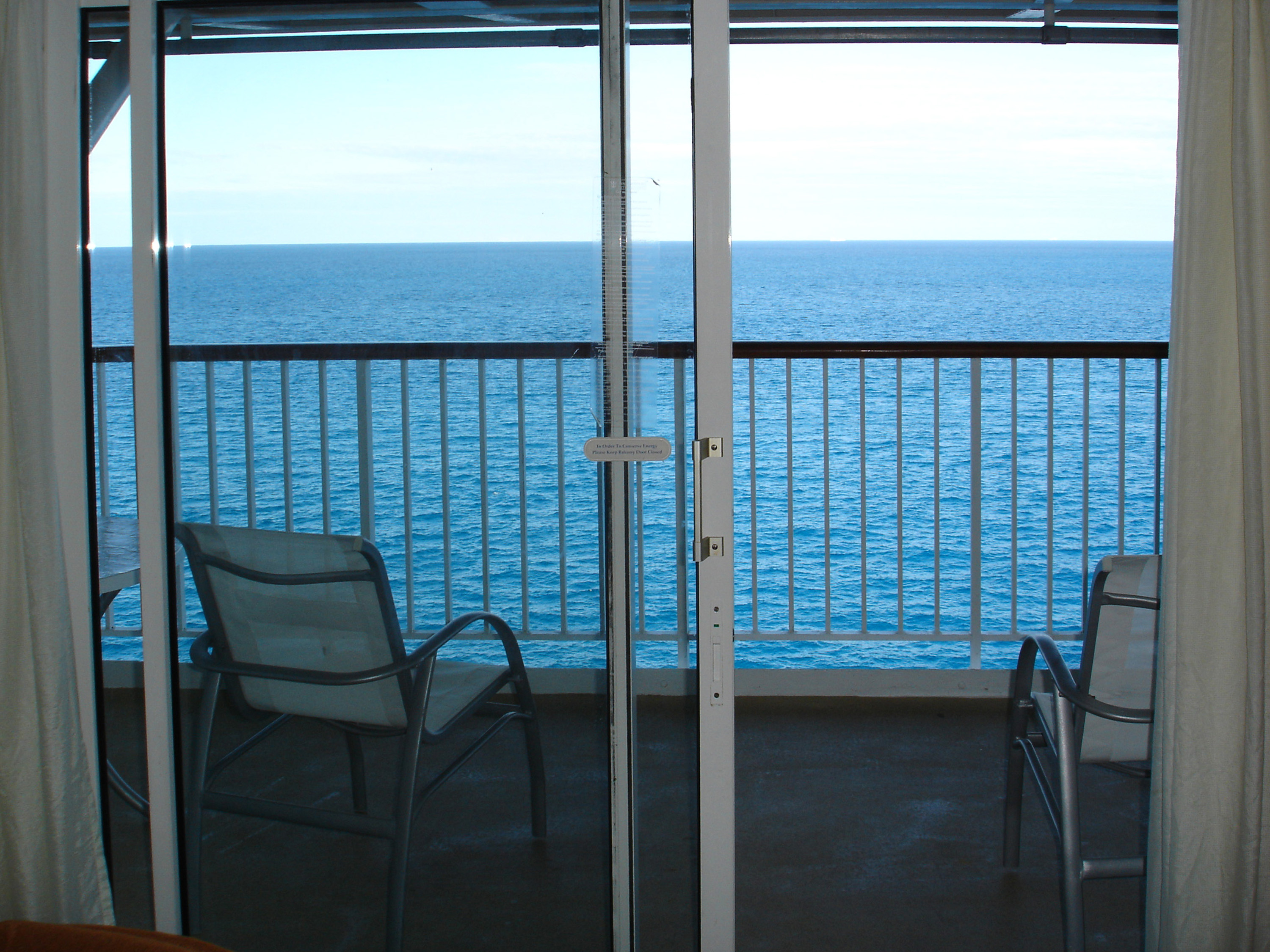 Free Stock Photo 6510 Balcony with ocean view  freeimageslive
