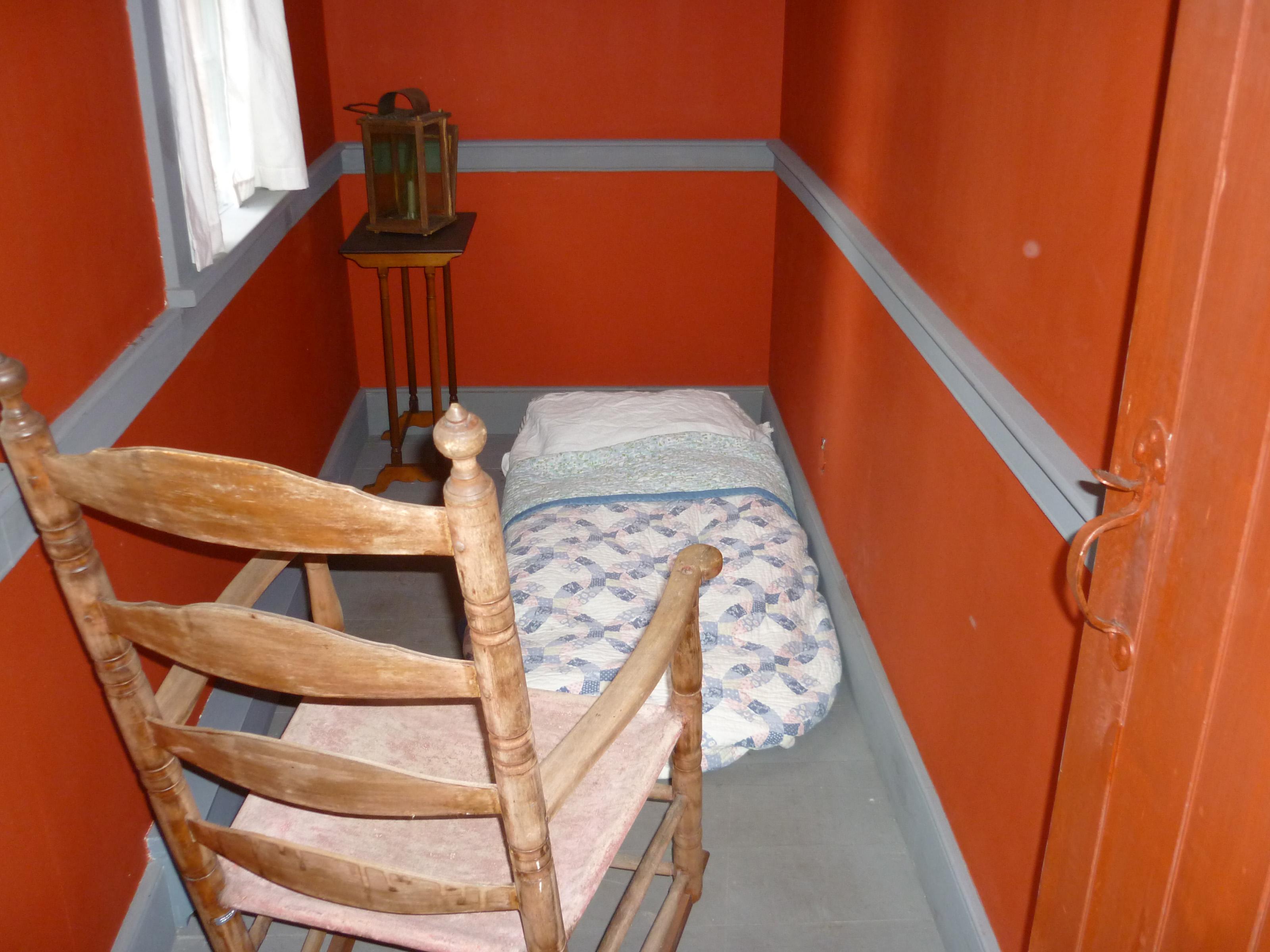 Free Stock Photo 6784 Very tiny bedroom  freeimageslive