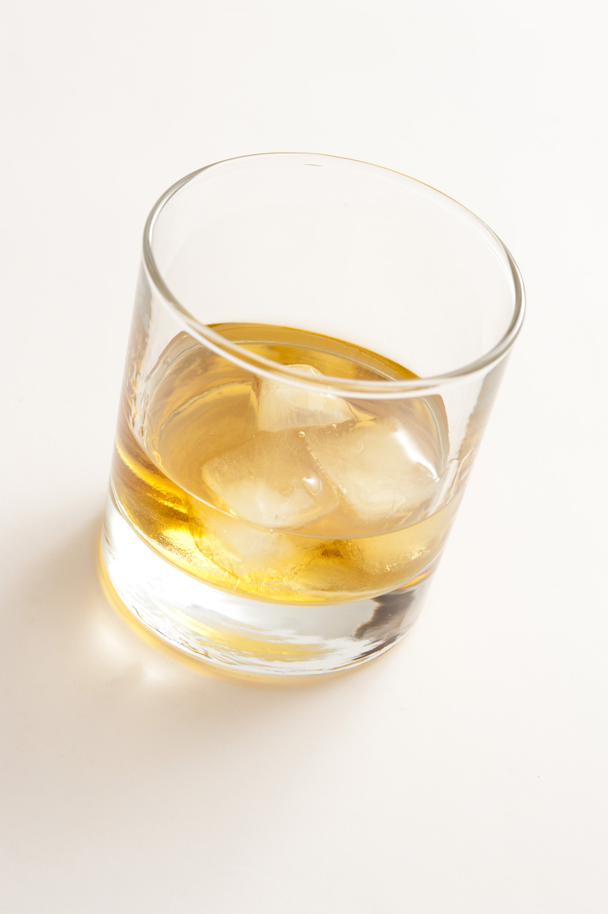 Free Stock Photo 10469 Whiskey on the rocks | freeimageslive