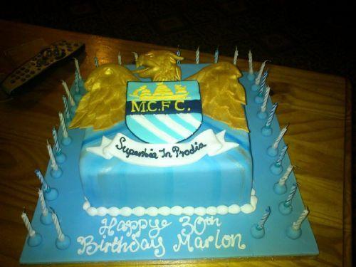 Danielles Bespoke Cakes Cake Maker In Old Trafford