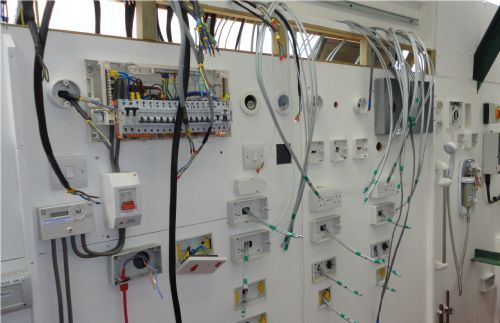 3 Phase Lighting Wiring Diagram Morris Services Ltd Electrical Training Provider In