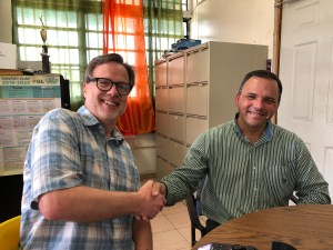 In Puerto Rico, the Mayor of Barranquitas, Iván Marrero, meets Freeing Energy founder, Bill Nussey