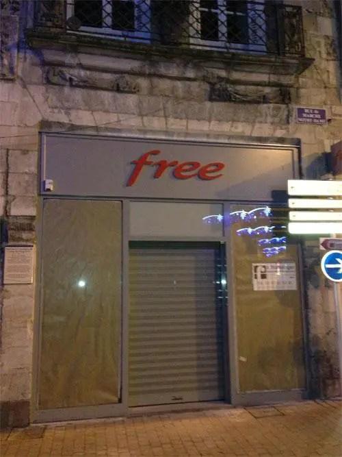 free center ouverture poitiers aujourd 39 hui free. Black Bedroom Furniture Sets. Home Design Ideas