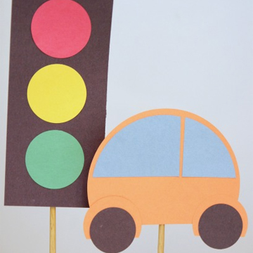 Easy Preschool car and stoplight activity
