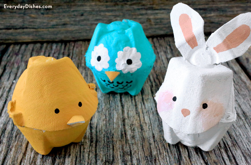Recycled egg carton animals for Egg carton room