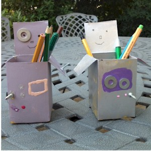 Image of Recycled Robot Pen Holder