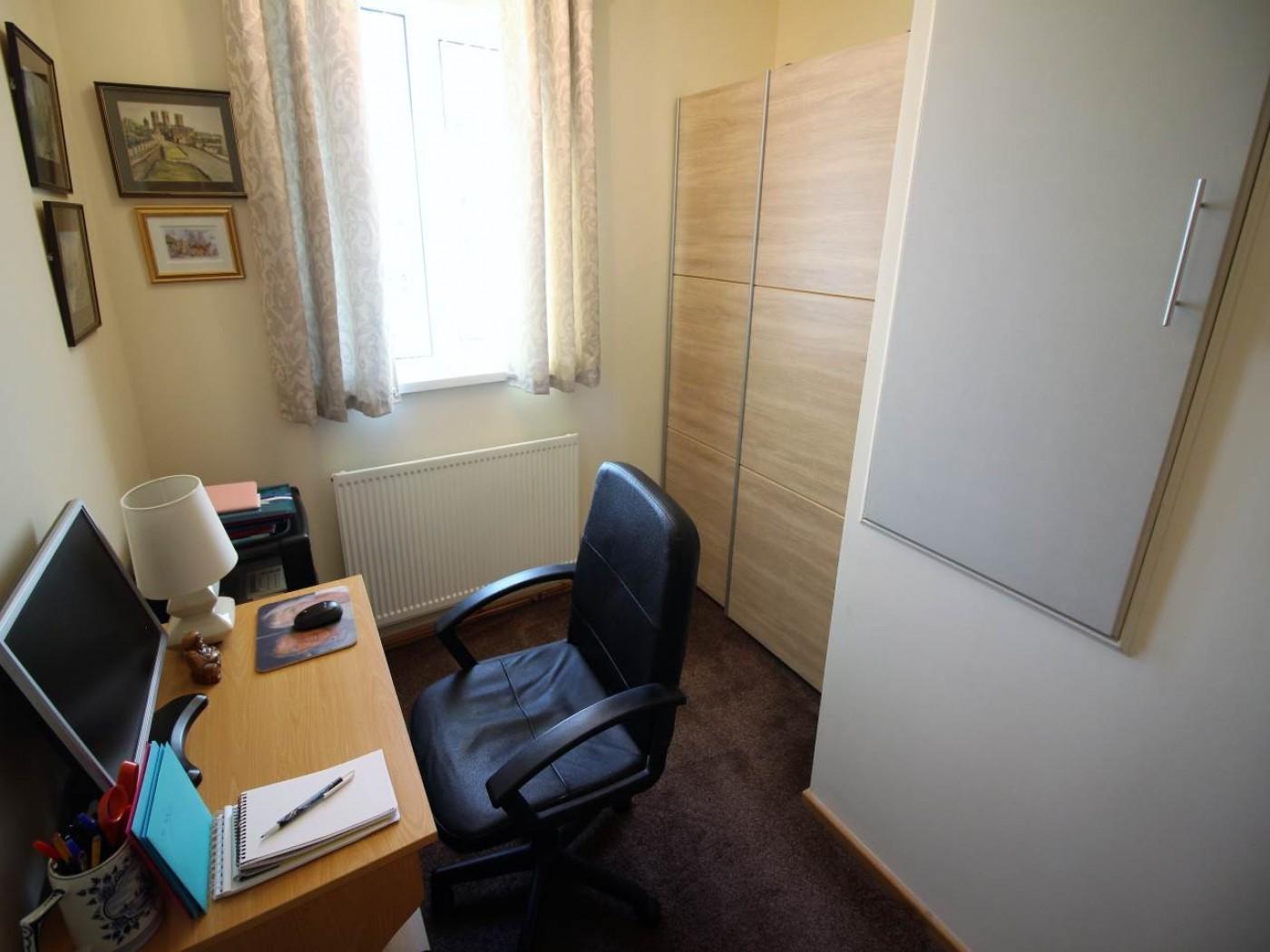 sofa malpas road newport old trash blackett avenue 3 bedroom semi detached