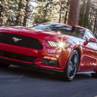 Recenze : Ford Mustang EcoBoost 2016