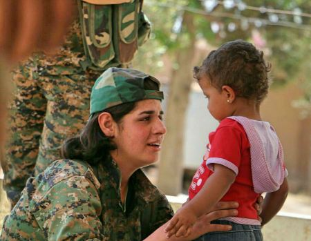 Kurdish YPG Women Fighter, foto: Kurdishstruggle