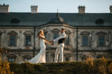 Beautiful Couple Posing, foto: Teksomolika/BigStock