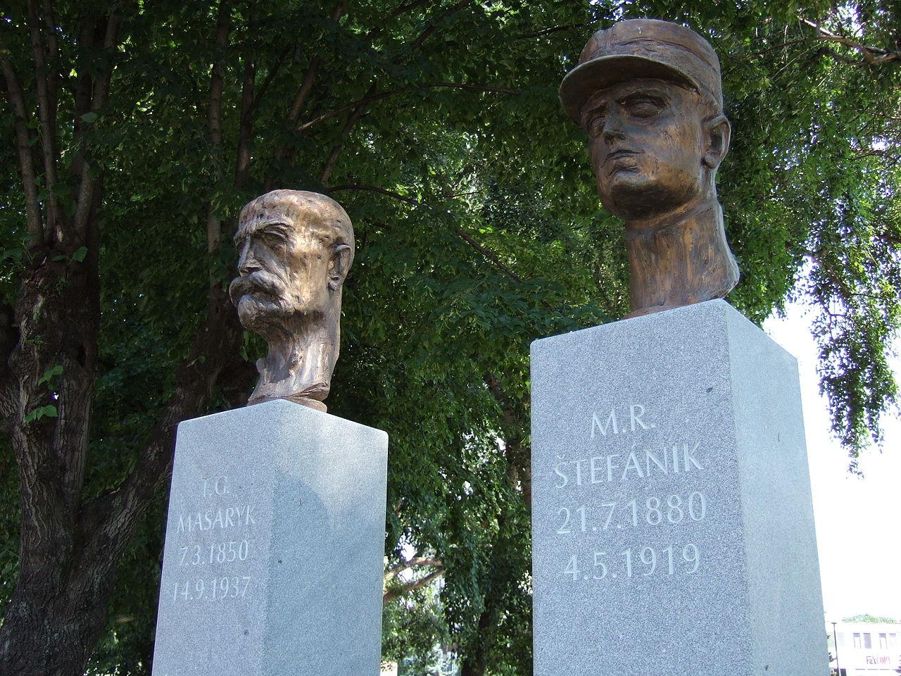 Masaryk a Štefánik, Josef Vajce, sochař, Marian Gladiš, foto
