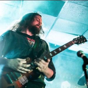 Dave shredding on the lead guitar
