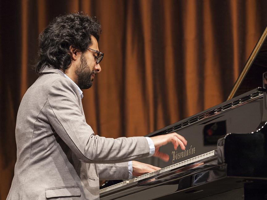 Tarek Yamani performing at the Freer Gallery of Art