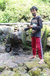 A sculpture and its absence, Ngawonggo