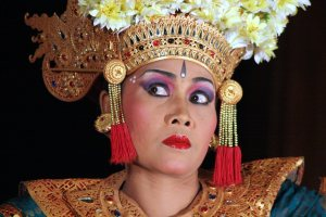 """""""Bali Ubud Danseuse"""" (2007) showing the seledet (eye movement) a dancer uses to communicate with the gamelan"""