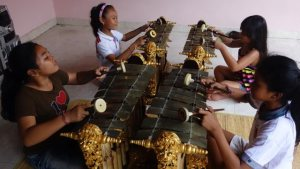 Musical Knowledge, Innovation, and Transmission within the Eco-System of Balinese Wayang Performance