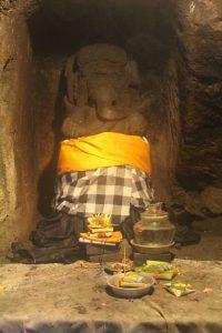 Ganesha sculpture enshrined wearing checker cloth