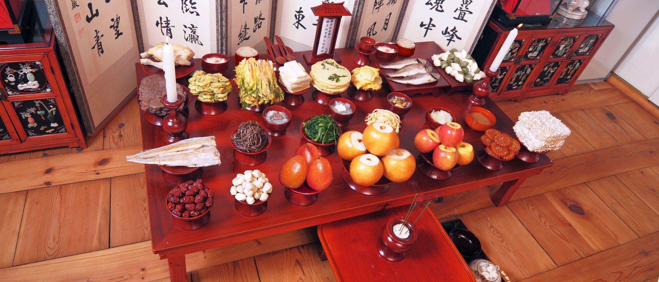 table setting for Seollal (Korean Lunar New Year)