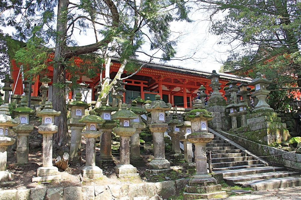 The Kasuga-taisha temple.