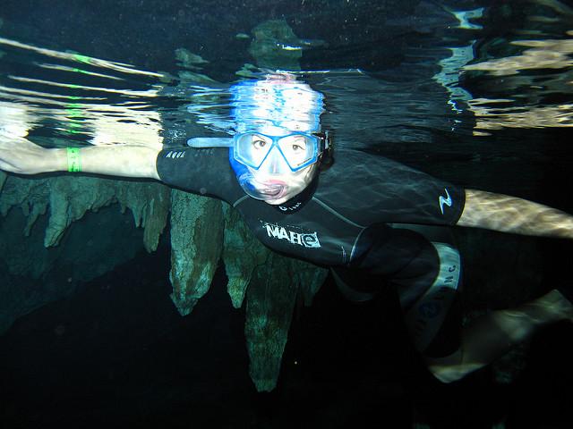 Snorkelling in Dos Ojos cenote