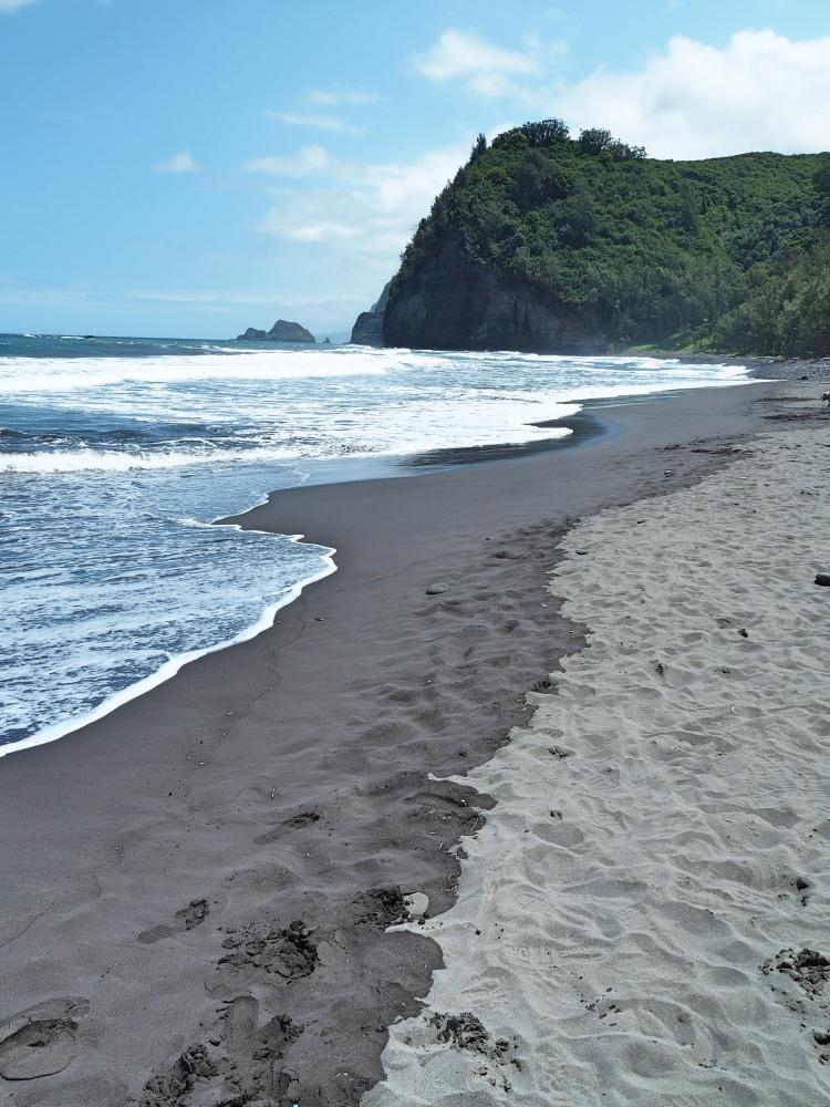 The Black sand beach of the Pololu Valley.