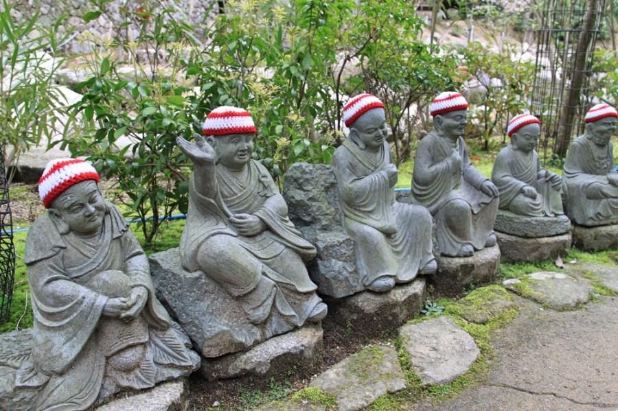 More Rakan statue.