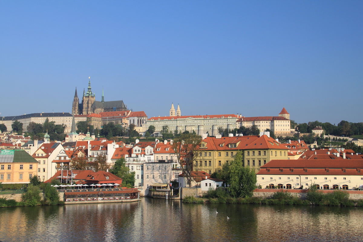 the 10 best things to do in prague - free two roam