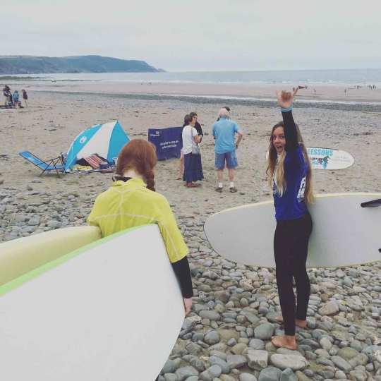 Puffs waving at the beach
