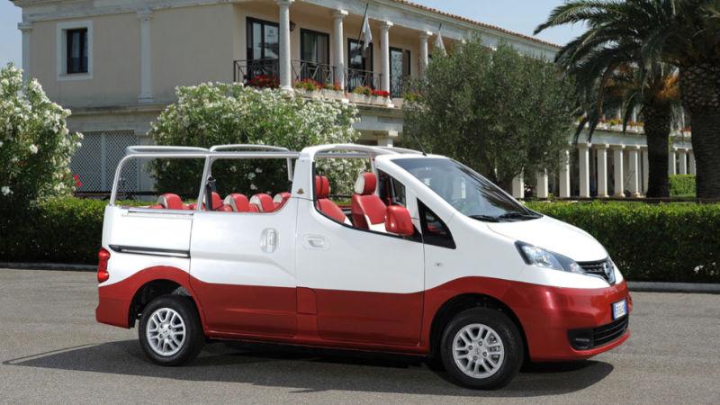Nissan Evalia C convertible minivan.