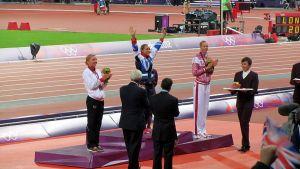 800px-Women's_Heptathlon_Victory_Ceremony