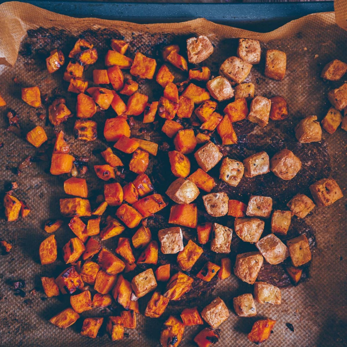 Bunter Salat mit Süsskartoffel und Quinoa