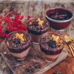veganes Lebkuchen-Mousse mit Kirschen