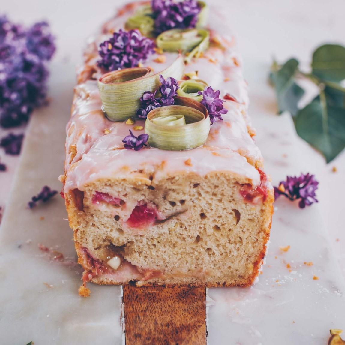 Veganer Rhabarber Joghurt Kuchen