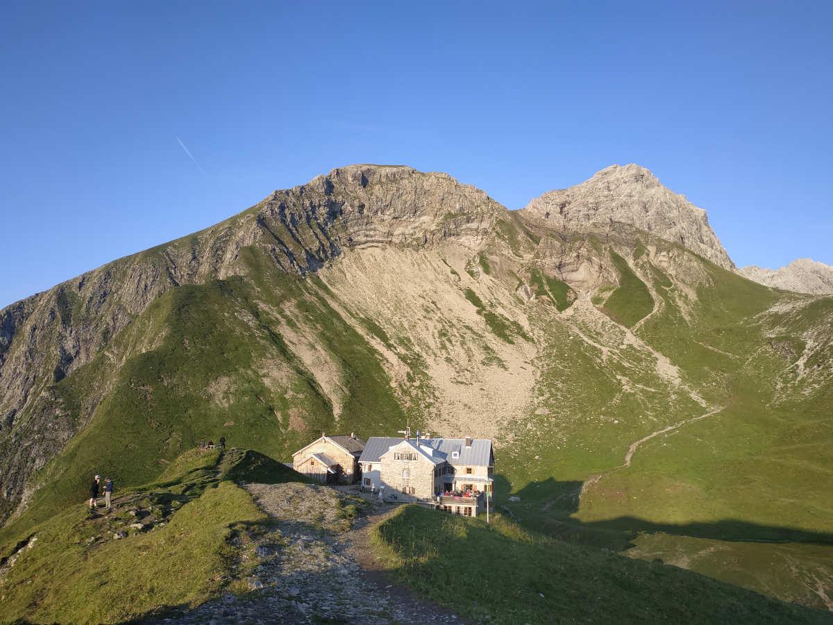 Hüttentour über Alpe Eschbach, Enzianhütte, Rappenseehütte, Schwarze Hütte, Einödsbach, Birgsau
