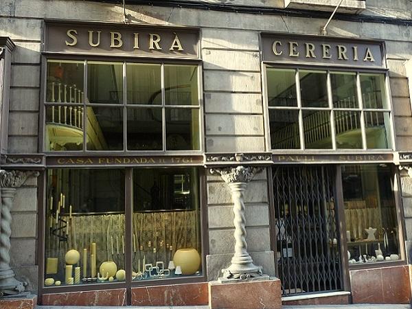 Spots to Visit in Barcelona, Spain: Shopping Barcelona Antike Läden