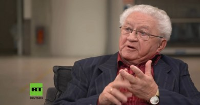 Historiker im Interview: Anton Latzo über Außen- und Friedenspolitik
